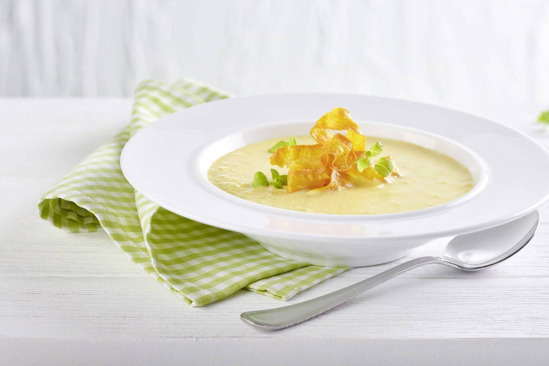 Karotten-Erdäpfels-Suppe mit Lorbeerblatt