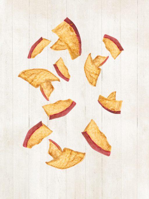 einzelne fliegende Apfel Chips