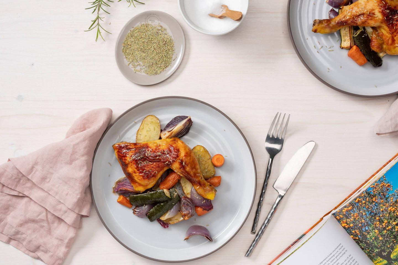 Schmackhaftes Rosmarin-Huhn mit Gemüse