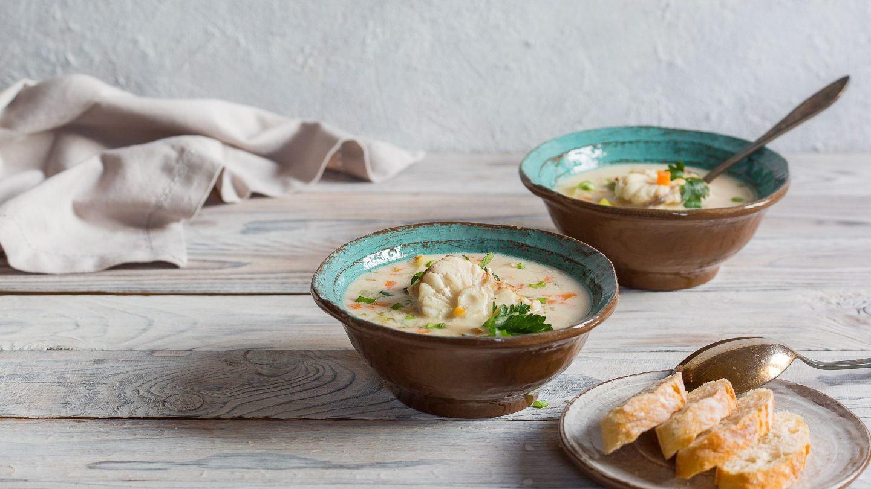 Traditionelle Fischsuppe wird in Norwegen mit saisonalen Fischen zubereitet.